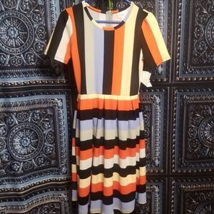 🆕️🌻LULAROE AMELIA DRESS SZ SMALL